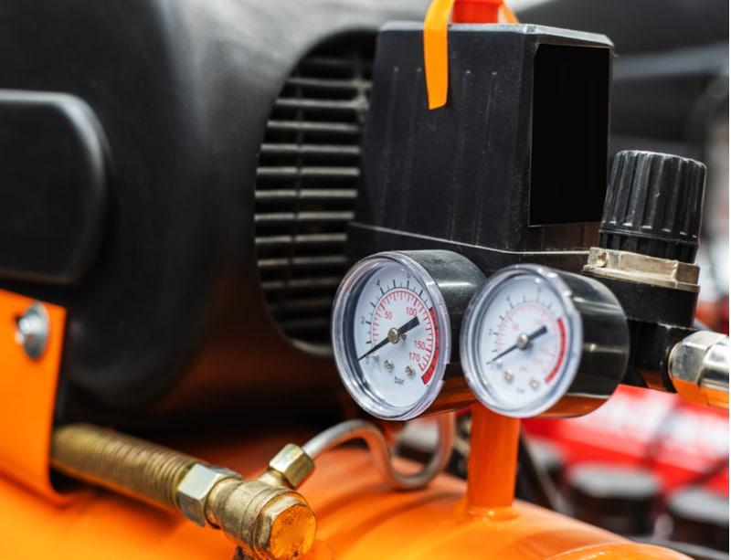 Compressor with pressure sensors